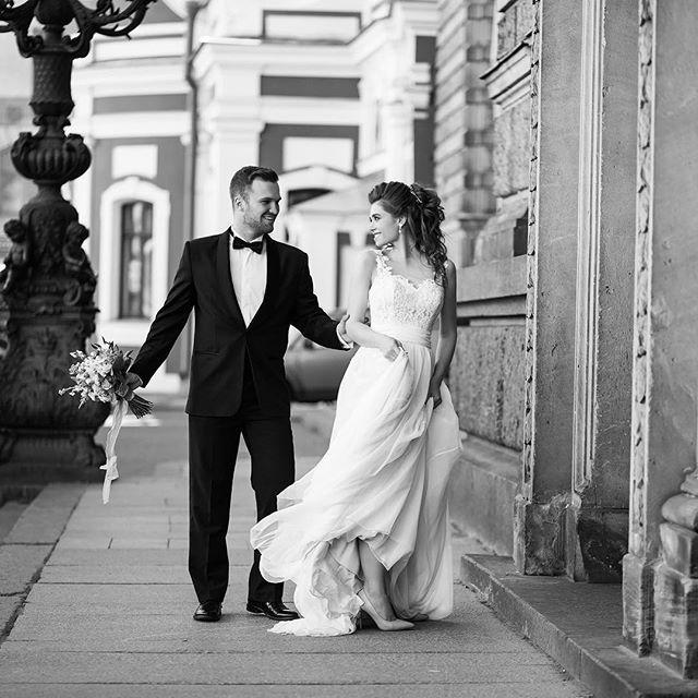 А я все больше и больше люблю черно-белые фотографии...🙈#rinashmel #rinashmeleva_свадьбы