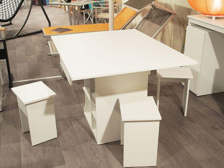 Ce buffet gain de place se transforme en table à manger 4 couverts en quelques gestes ! Vous pourrez aussi transformer ce meuble gain de place en bureau très facilement.