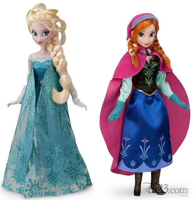 Disney Store's Frozen Elsa and Anna dolls: i am literally the biggest nerd.