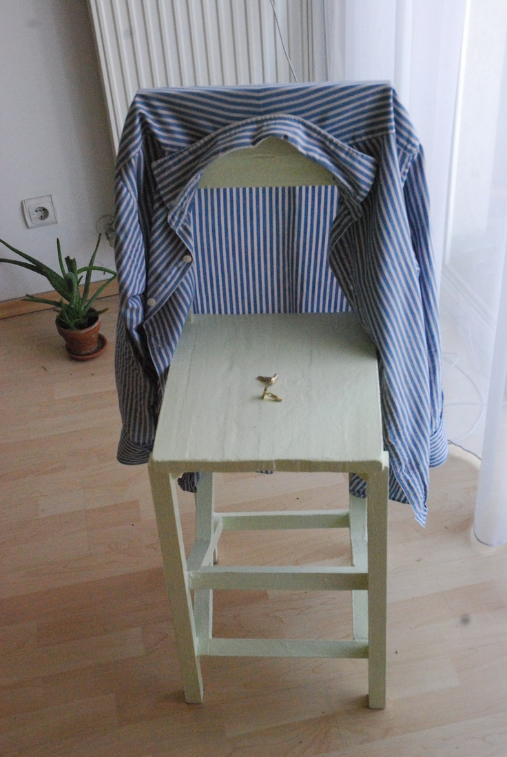New green chair passes shirt-drying test with flying colours.