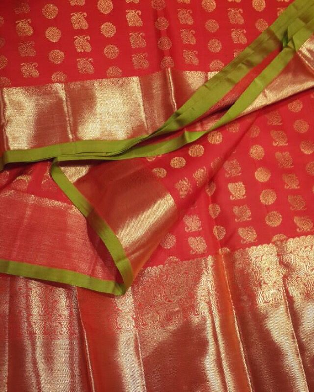 Kanjiveram pure zari Saree by Ayush Kejriwal For purchases email me at  designerayushkejriwal@hotmail.com or what's app me on 00447840384707 🙏😊 We ship WORLDWIDE. Instagram - designerayushkejriwal