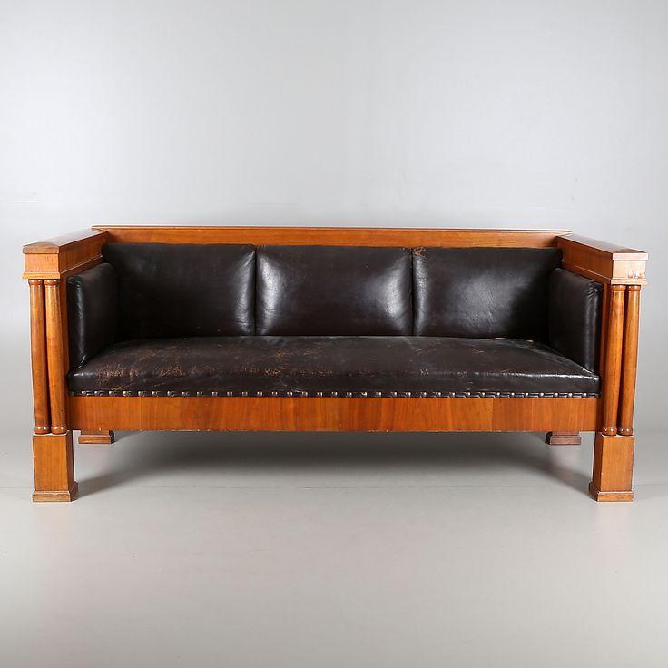 Bilder för 416714. SOFFA, trä/skinn, Karl Johan, E. Pettersson Möbleringsaffär, Gefle, 1800-tal. – Auctionet