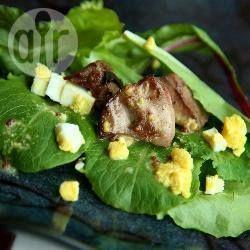 Salade d'épinards frais aux foies de volaille @ allrecipes.fr