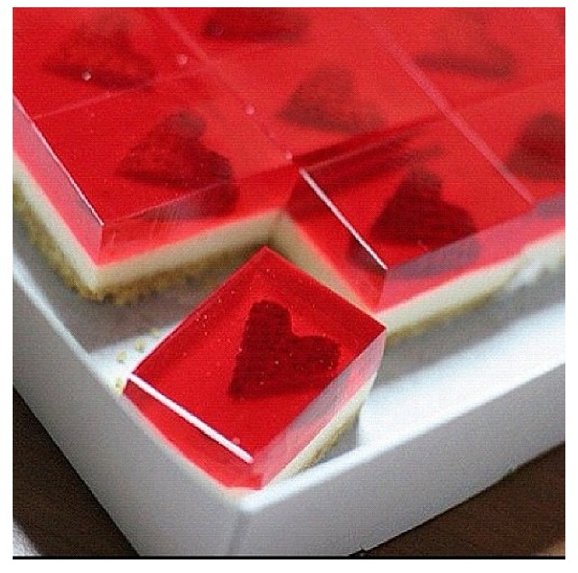 Graham crackers, cheesecake, strawberries, and jello <3  For the wedding snack table (: