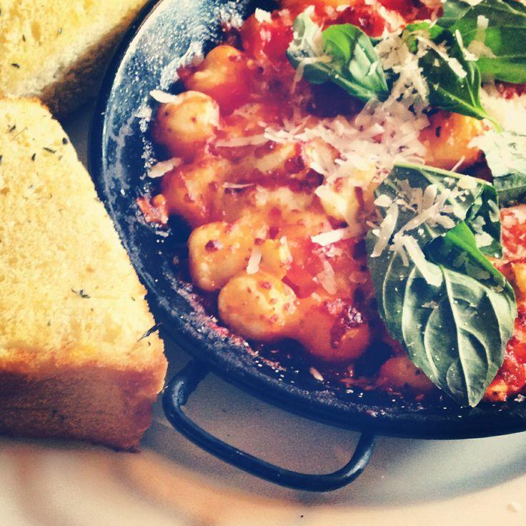 Napolitana Gnocchi in a deep dish pan with garlic bread!! photo by O.A.K Photography