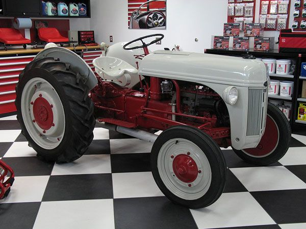 Excellently Restored Vintage 8n Tractors Pinterest Tractor Ford Tractors And Ford