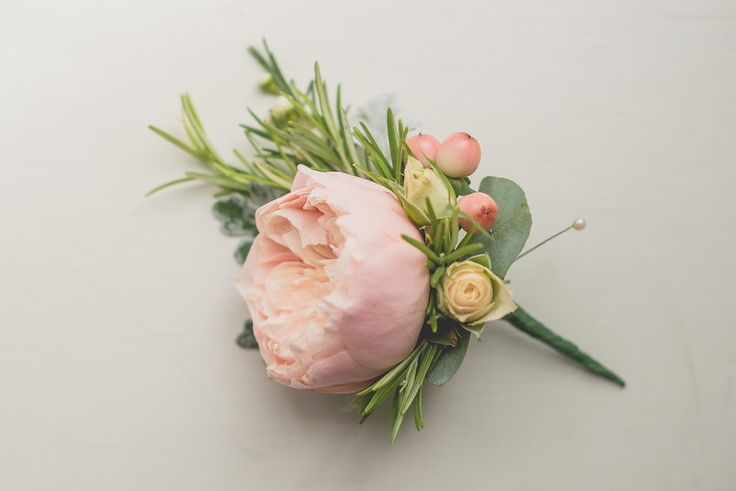 Peach David Austin rose buttonhole, The Olde Bell, Hurley, Berkshire,  Joanna Carter wedding flowers