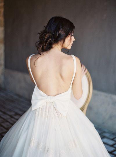 Open back bow-dress: http://www.stylemepretty.com/destination-weddings/2015/05/28/romantic-spring-wedding-inspiration-in-the-greek-mediterranean/ | Photography: Les Anagnou - http://lesanagnou.com/