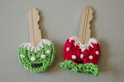 These key covers are such a great idea, especially for kids who come home after school. It's a great way to color code your keys, too. Free!!! Thanks so for great kind share xox