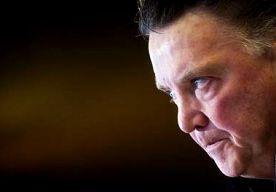 26-Mar-2013 8:00 - VAN GAAL: ANDERE STRATEGIE BIJ CORNERS EN VRIJE TRAPPEN. Roemenië wordt de eerste tegenstander die Oranje in zijn poule voor de tweede keer treft. In de eerste wedstrijd in oktober in Boekarest