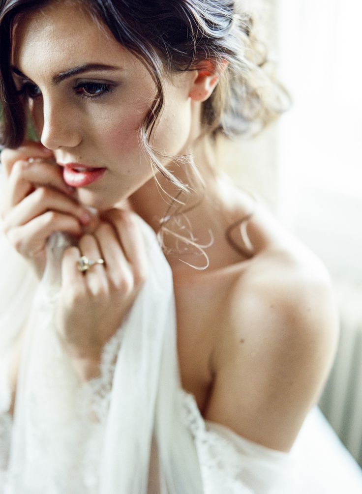 Photography : Lisa Blume Photography  | Makeup : Amie Decker Beauty | Wedding Dress : Temperly London Read More on SMP: http://www.stylemepretty.com/2017/02/13/the-perfect-valentines-day-gift-idea-for-your-groom/