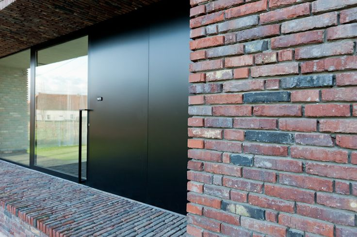 Beautiful, very deep window recesses. House O by Caan Architecten.