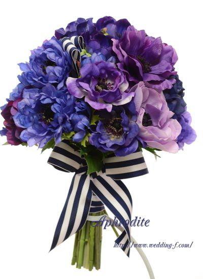 ウエディングブーケ専門ショップ・アフロディーテ(Wedding Bouquet Aphrodite)  紫アネモネのクラッチブーケ