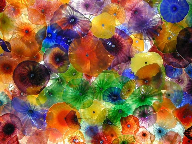 Workshop glaskunst of glas in lood bij Vonk Glasatelier in Breda. Wat ik ga maken? Iets voor op tafel misschien? Voor mij is het waardevolle kunst want waar de waard gaat, het glas beslaat.