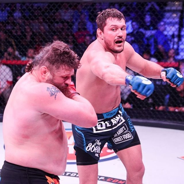 ICYMI #MattMitrione @mattmitrione (13-5) defeated #RoyNelson (23-15) via majority decision (28-28 29-28 29-28) at #Bellator194.   This was the second #fight in #Bellator's World #Heavyweight Grand Prix. Mitrione joins #ChaelSonnen @sonnench in advancing to the next stage of the tournament.   Did you see the fight? Tell me what you thought and don't forget to like  and follow for all the latest MMA news!  Every fighter  has a story   Are you a fighter? If you want to be interviewed by Susan…