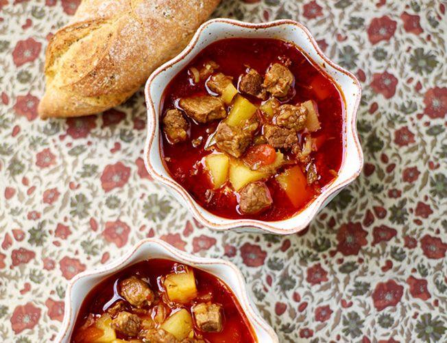 Goulash soep met paprika & aardappel