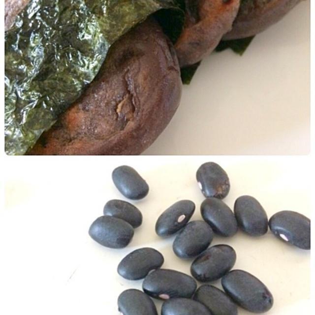 鉄分が多い南米のマメみたいです。 業務店で見つけて買いました。 黒豆より小ぶりの粒ですが 鉄分 亜鉛の含有度は貧血の私には見逃せない品  今回は黒いんげん豆を一晩水に浸し圧力鍋で3分加熱して 茹で汁で上新粉餅を作り豆を入れて蒸らし1日乾燥させた品  もやしのタレを絡め海苔で巻いてみました。 - 110件のもぐもぐ - Miki Sanoさんの料理 一風堂のホットもやしのレシピだそうです。私はドレッシングにしてました。でフェジョアーダ 黒いんげんマメのお餅を作り磯辺にしました。 by sanomikijp