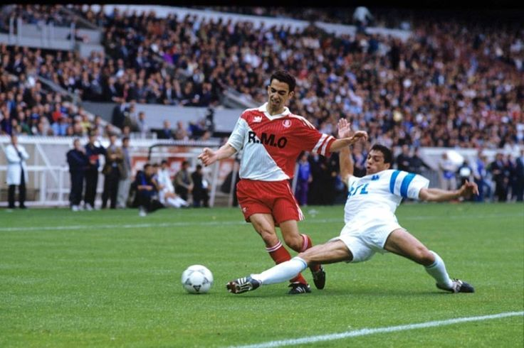 Carlos Mozer vs. Youri Djorkaeff in OM-Monaco (08/06/1991). Finale Coupe de France 1991.
