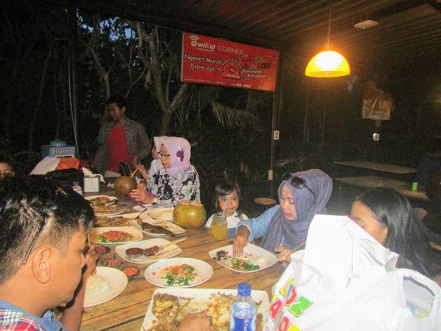Makan Malam Bersama