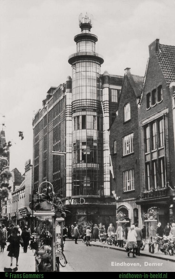 De glazen toren van V&D.