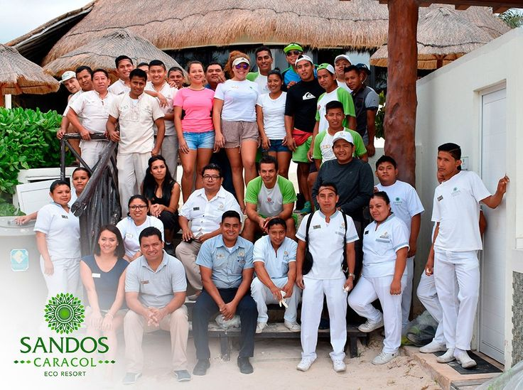 La #FamiliaSandos se reúne cada mes para mantener nuestras playas limpias, cuidando así nuestro ecosistema.    The #Sandos family gathers every month to mantain our beach clean, thus taking care of our ecosystem.  #Beach #Playa  #Mexico #Xcalacoco #Voluntariado #Voluntarios #Volunteers