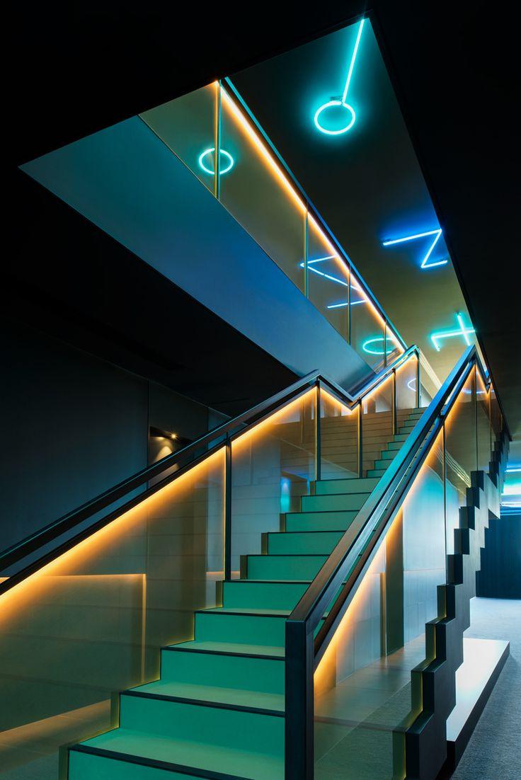 SEFAR mesh laminated glass in Printed Gold density 140/50 at Jackalope Design Hotel, Mornington Peninsula
