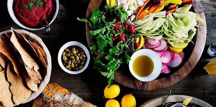 Garden Vegetable Platter with Roasted Beet Hummus