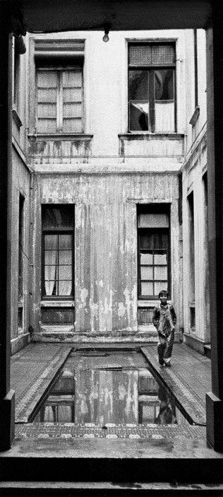 Sergio Larrain - Valparaiso. 1953.