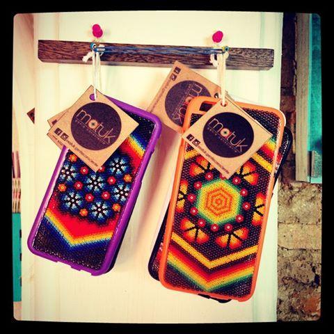 Caratulas para iphone 6 y 6 plus hechas con shakira por un Wixarica (huichol) Cases for iphone 6 an 6 plus made with shakira by a Wixarica indian (huichol)