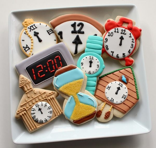 a collection of clock cookies {Sugarbelle}