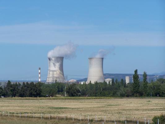 La centrale nucléaire du Tricastin. Savoie-Alpes