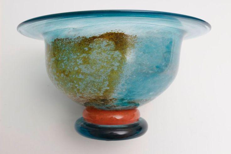 Kosta Boda Cancan Bowl 59146 signed Kjell Engman Artist Collection