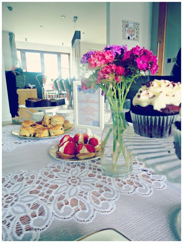 1920s vintage tea party - yummy cakes and pretty flowers