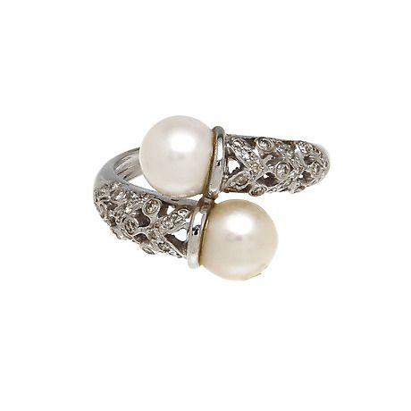 RING, 18K vitguld med pärlor samt diamanter, totalt ca 0,042 ct. Vikt 4,8 g. Smycken & Ädelstenar - Ringar – Auctionet