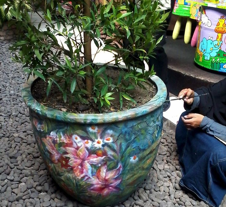 More flowerpot art for Inns resto in Cilandak.