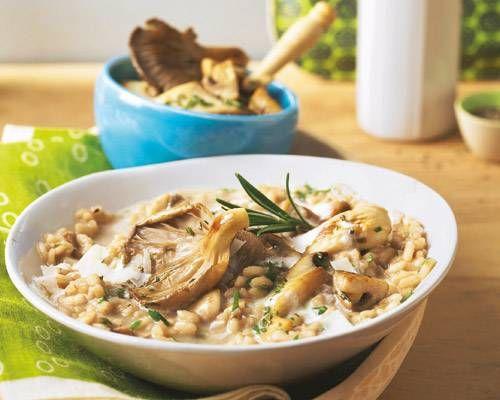 Wenn Sie nicht warten wollen, bis sie Steinpilze finden: Das Risotto schmeckt zum Beispiel auch mit Austernpilzen. Zum Rezept: Steinpilz-Risotto mit Portwein