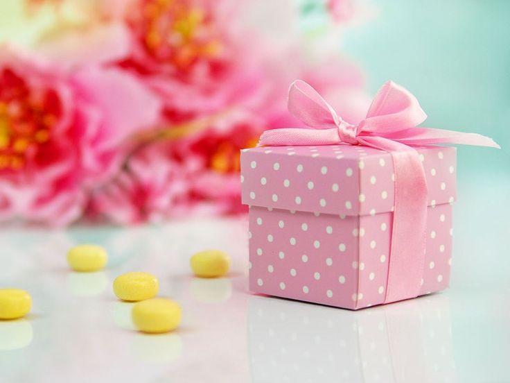 Pöttyös köszönetajándék doboz! Ajándékozzatok rózsaszínűt a hölgyeknek és kéket az uraknak!