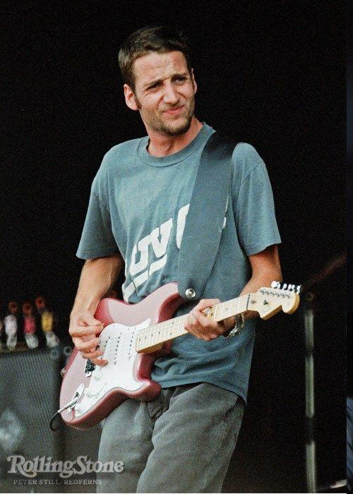 Stone Carpenter Gossard (Seattle, Washington, 20 juli 1966) is gitarist bij Pearl Jam. Hij was een van de oprichters van deze band.  Stone Gossard is daarnaast oprichter van de band Brad als nevenproject. In 2001 bracht hij de solo cd Bayleaf uit.