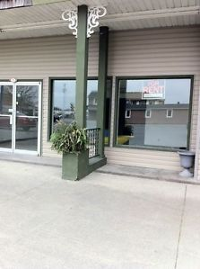 812 PITT STREET UNIT 7  1315 SQ. FT.  $1300  COMMERCIAL / OFFICE OR RETAIL STORE FOR RENT UTILITIES  INCLUDED    CENTRAL AIR     HEAT    LIGHTS   SNOW REMOVAL  AND H.S.T