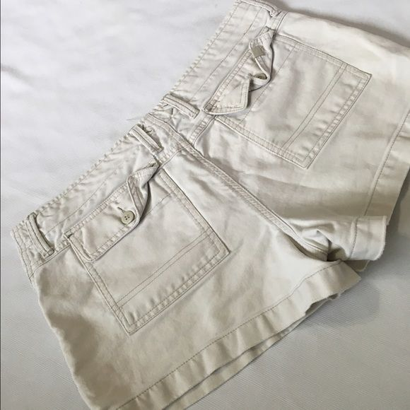 Ameican eagle cream shorts Like new Shorts