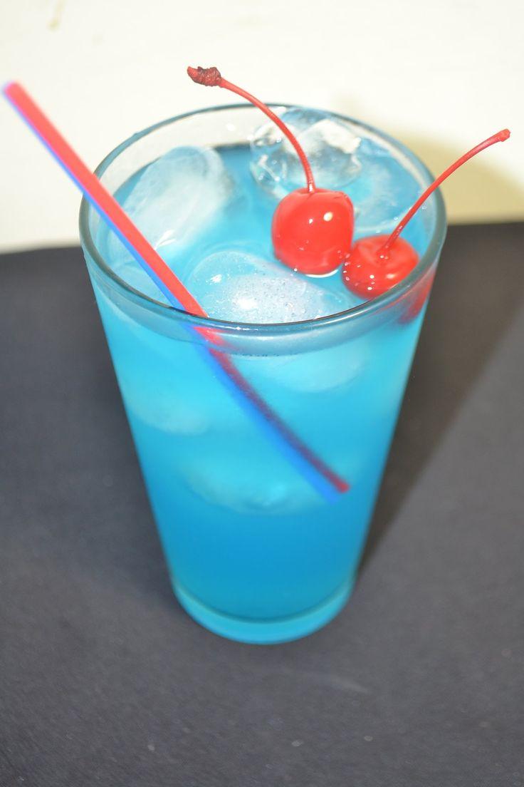 les 25 meilleures id es de la cat gorie cocktail lagon bleu sur pinterest boissons pourpres. Black Bedroom Furniture Sets. Home Design Ideas