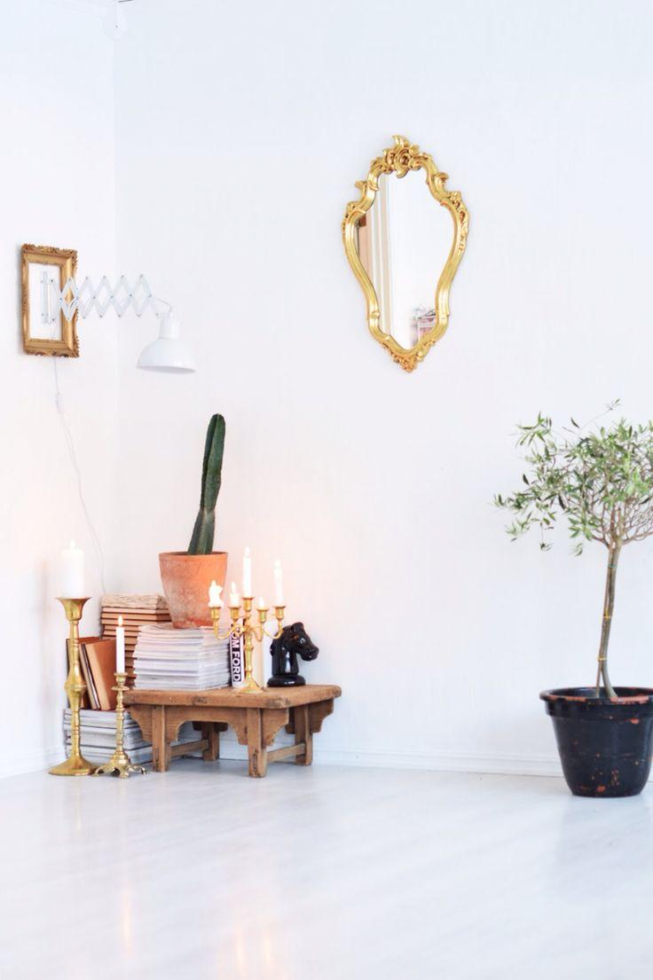 Decor livingroom gold black white cozy