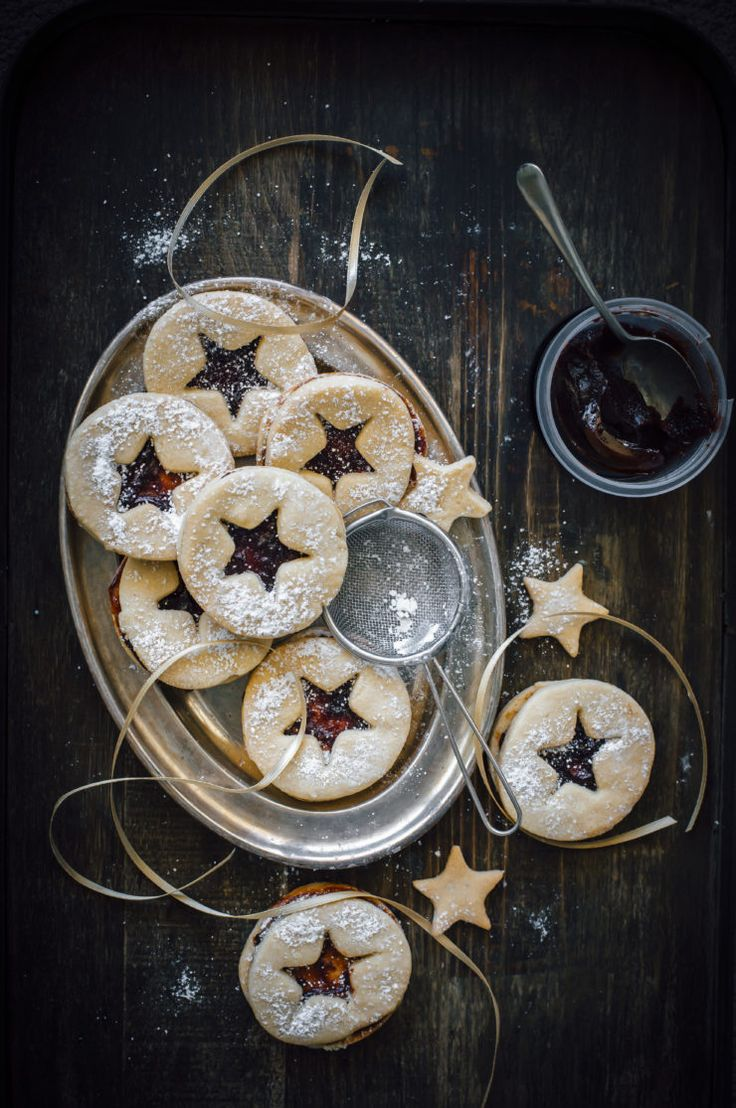 Linzer Cookies With Quince Paste