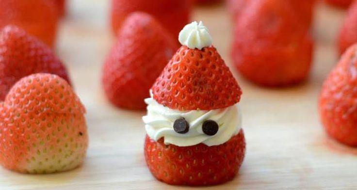 Een lekkere en leuke kerstman van aardbei, mjammie! Leuk voor het #kerstdiner!