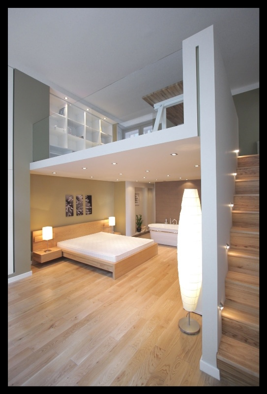 Keeping it airy + lowered ceiling in the bedroom for more intimacy