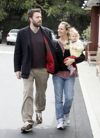 Ben Affleck and Jennifer Garners Sweetest Couple Moments: Ben Affleck and Jennifer Garner attended a family picnic when she was pregnant with Violet in August 2005. : Jennifer Garner gave Ben Affleck a sweet look during a May 2007 outing.