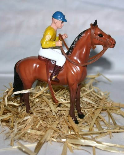 (1) MELBOURNE CUP PARTY DECORATIONS HORSE & JOCKEY 51/2''