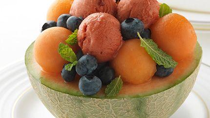 Coupe de melon et son sorbet à la fraise