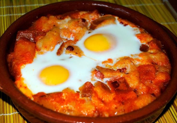 Sopa Castellana. Sopa de ajo. Caceres, Avila, Toledo, Extremadura. Spain