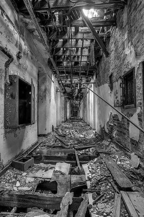 Deadly Corridor (abandoned asylum complex in New York State)